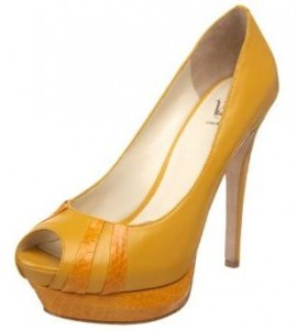 b625d31c3da Yellow shoes Haley wore on American Idol results show + Lea Michele ...